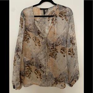 BCBG beige/cream floral pattern lg/sleeve blouse,M